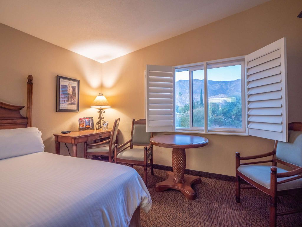 EcoRooms with Two Queen Beds and View at the Casa Ojai Inn