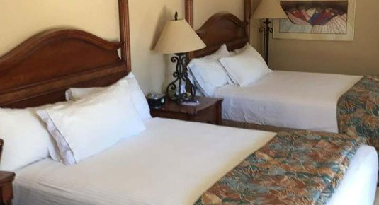 Ojai lodging - ADA Room Two Queen Beds with Roll-in Shower