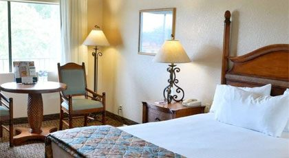 EcoRooms with Single Queen Bed - Casa Ojai Inn, Ojai Hotel